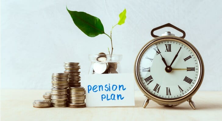 Here are the pros and cons of a lump sum vs annuity.