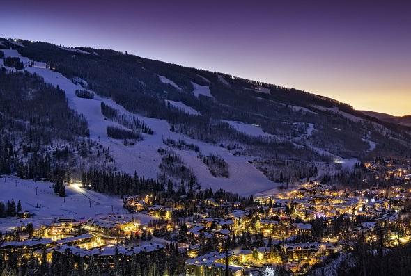 iStock 000055066902 Medium The Best Ski Towns in America 2015 Edition