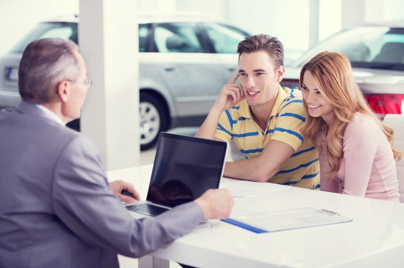 4 Car Dealer Tricks You Need to Know Before You Buy a Car