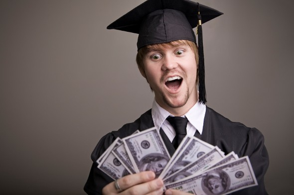 3 Bank Account Mistakes Every New Grad Should Avoid
