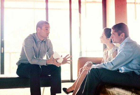what do financial advisors do?