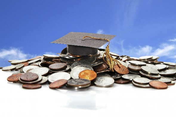 Should You Make Lump Sum Student Loan Payments?