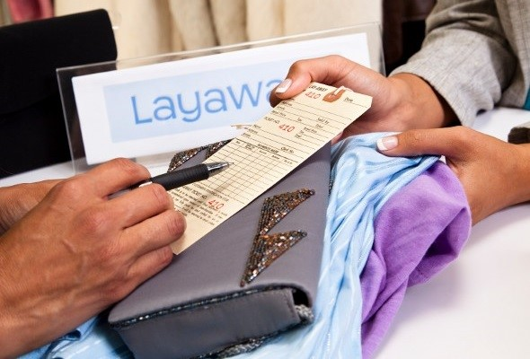 Pros and Cons of Holiday Shopping Layaway Plans