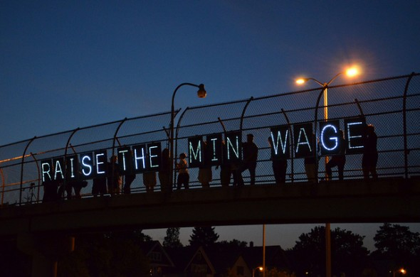 The Pros and Cons of Raising the Minimum Wage