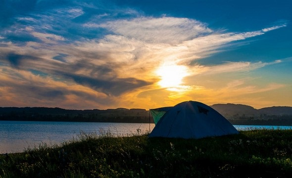 How to Camp Outdoors on a Budget