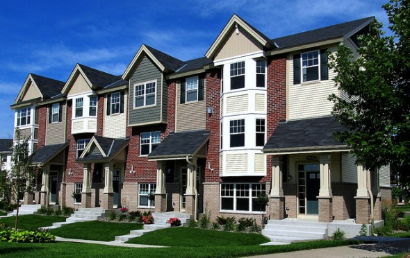 Advantages and Disadvantages of Buying a Townhouse