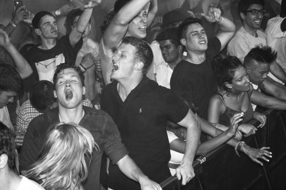 The Economics of Electronic Dance Music Festivals-Alexander Francesco