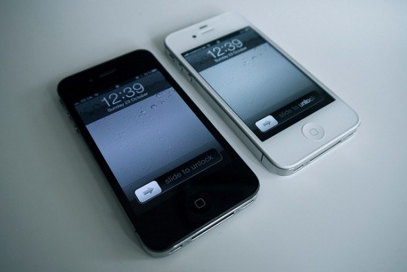 Contract vs. Prepaid Cell Phones – Which is Best for You?