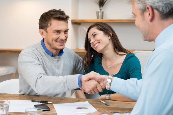Should I Get my Loan through a Mortgage Company or a Bank?
