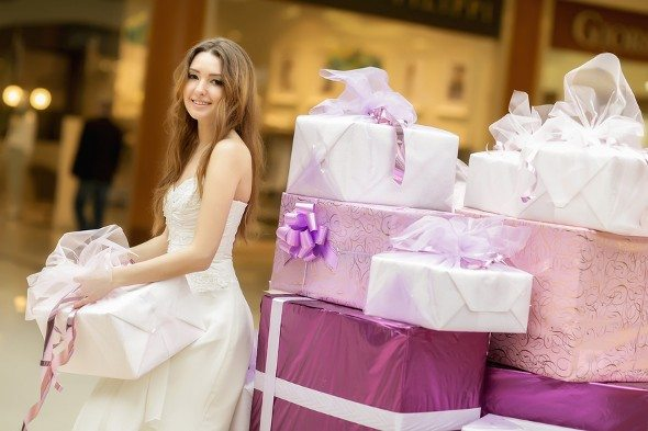 How Much to Spend on Wedding Gifts