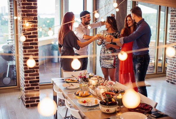 5 Tips for Throwing an Amazing New Year's Eve Party on Any Budget