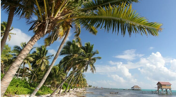 How much does it cost to retire in Belize?