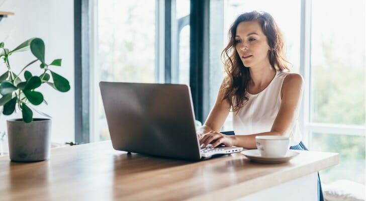 Female dividend investor