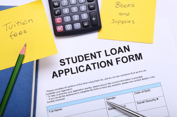 Pros and Cons of Using a Personal Loan to Pay For College