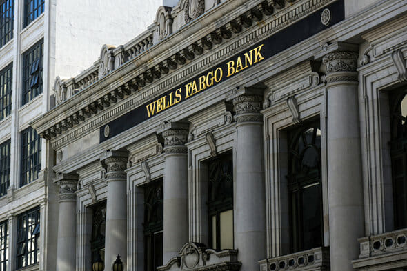 Chase Bank vs Wells Fargo: Which is Better for You?