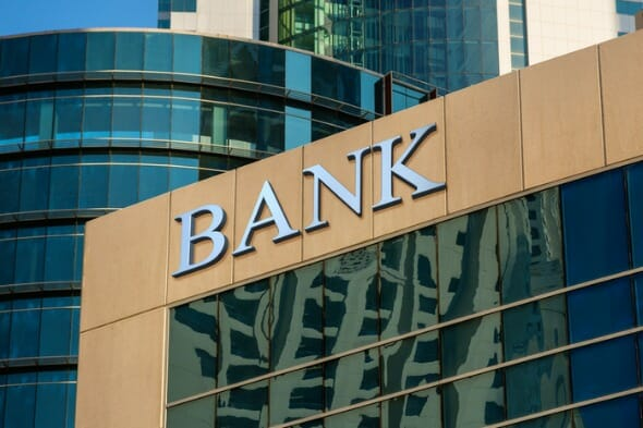 Wells Fargo vs. Bank of America: Which Is Better for You?