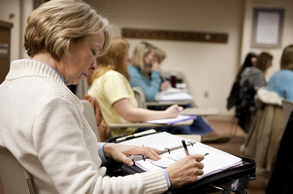 5 Places to Find Scholarships for Nontraditional Students