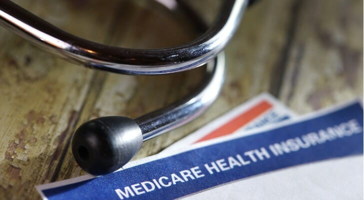 do medicare medicaid pay for assisted living