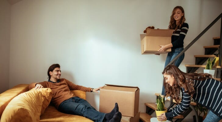 financial tips living with roommate