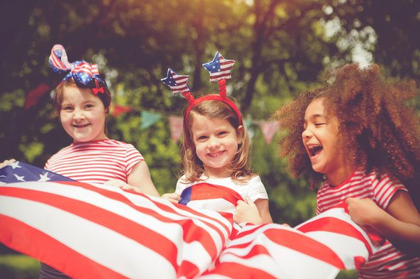 6 Ways to Plan a July 4th Blowout on a Budget