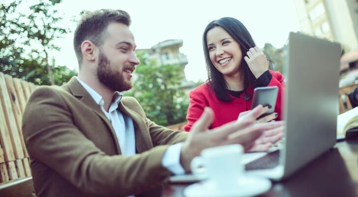 Couple shops online for life insurance