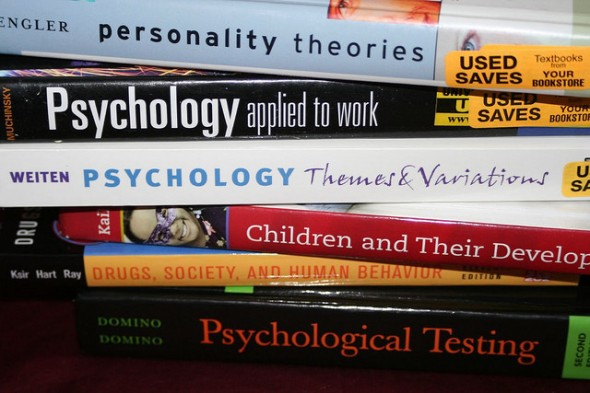 How to Get the Most Money for Your College Textbooks