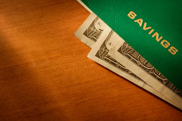 The Differences Between a Checking and a Savings Account