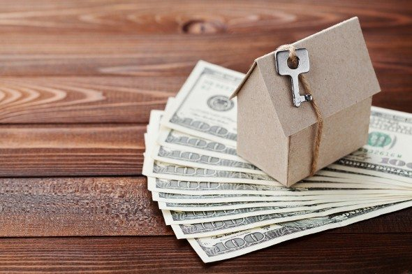 Pros and Cons of Financing Your Closing Costs