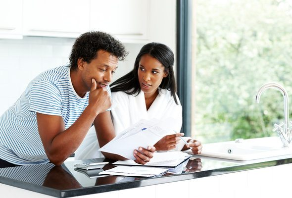 Pros and Cons of Lending Money to Family Members