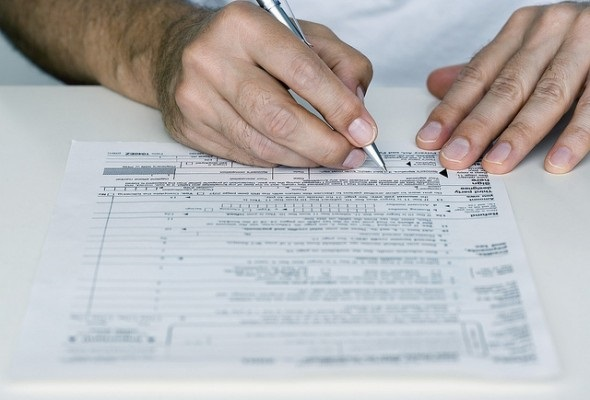 4 Reasons to File Your Taxes Early If You're Expecting a Refund