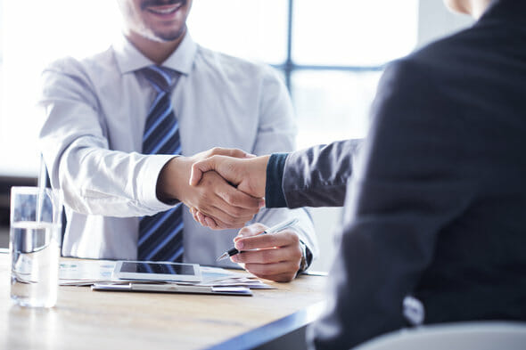 what is a financial consultant