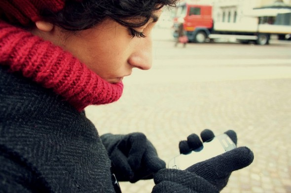 Keeping Your Texting Fingers Toasty with Touchscreen-friendly Gloves