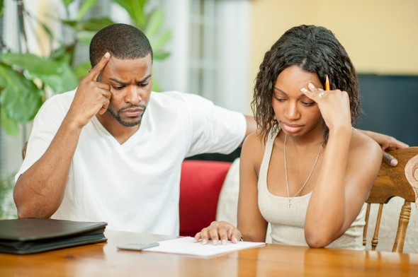 The Pros and Cons of Helping Family Members in Debt