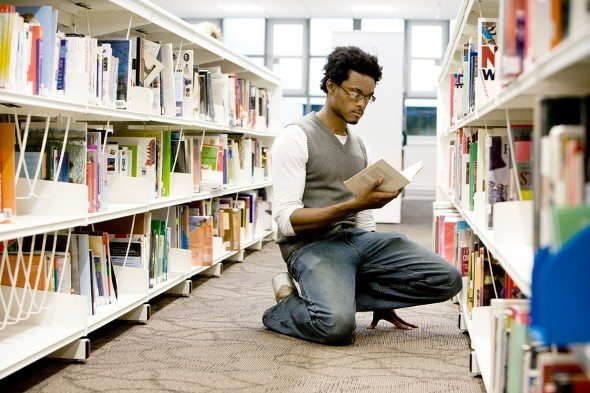 Top 5 Tips for Saving Money on College Textbooks