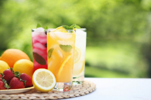 Mix your own drinks by following our favourite cheap and easy cocktail recipes, and impress your friends too!
