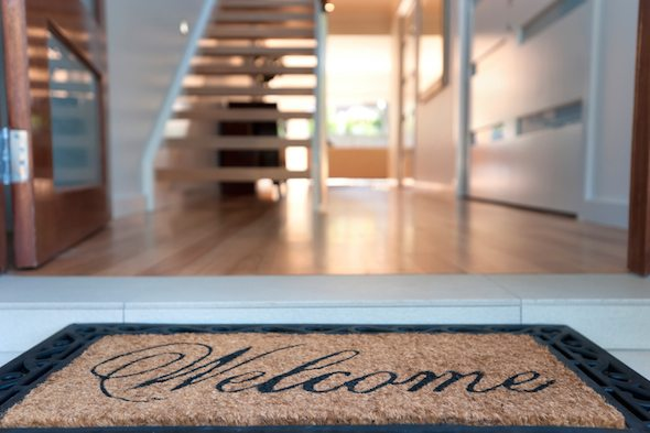 5 Cheap Ways to Stage the Home You're Selling