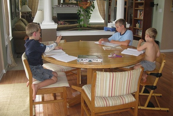 Top Tips to Homeschool on a Budget