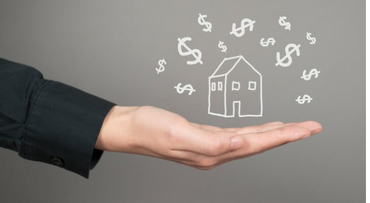 Here's the average real estate agent salary.