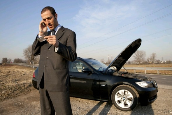 Top 5 Signs You Need a Roadside Assistance Plan