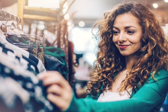 3 Ways to Follow Fashion Trends Without Going Broke