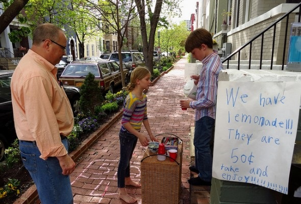 Kids running a lemonade stand on a sidewalk - Are You Ready to Be an Entrepreneur?