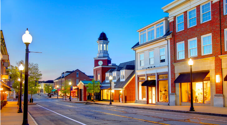Image shows the main street of a small U.S. town. SmartAsset analyzed various data sources conduct its latest study on the most livable small cities in the U.S.