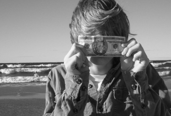 How to Teach Young Teens the Value of Money in Summer