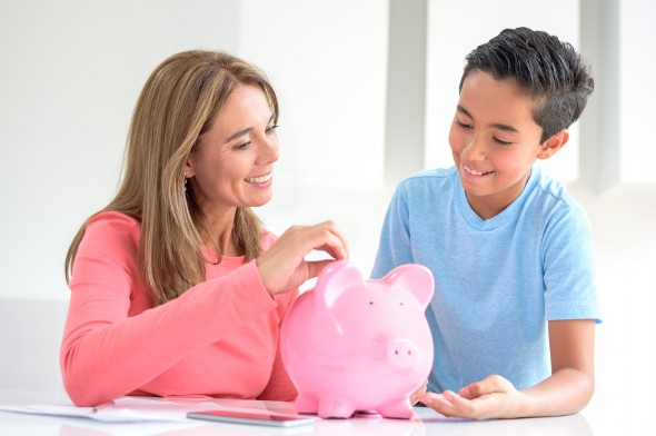 3 Ways Parents Can Invest for Their Kids