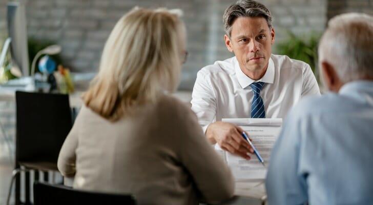 An attorney helps a couple make an estate plan