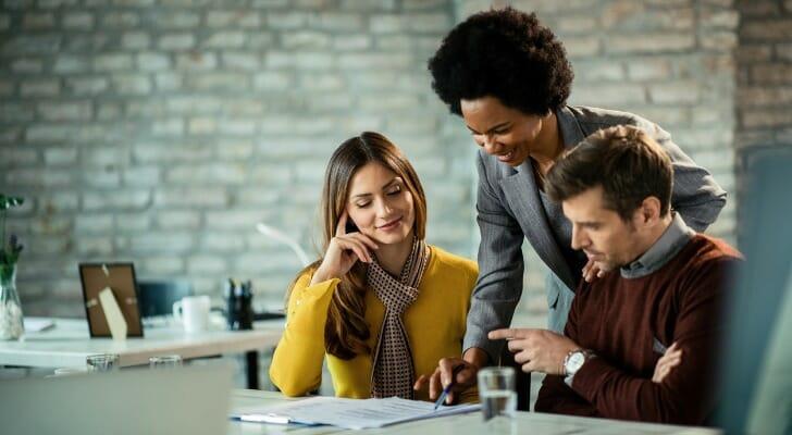 how do financial advisors make money