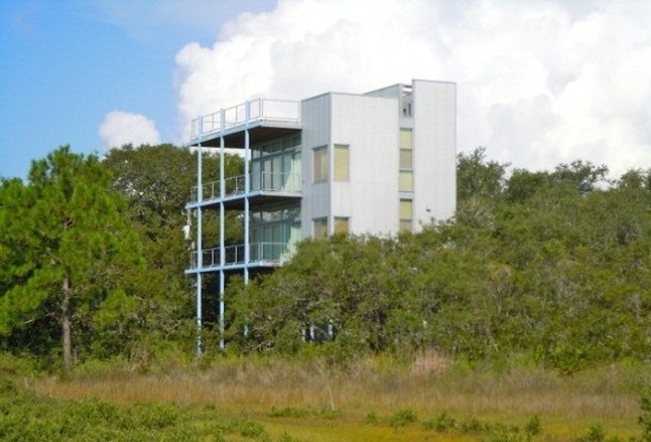 7 Zombie Proof Survival Homes