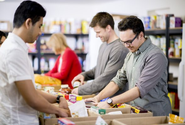 Easy Ways to Give Back During the Holiday Season