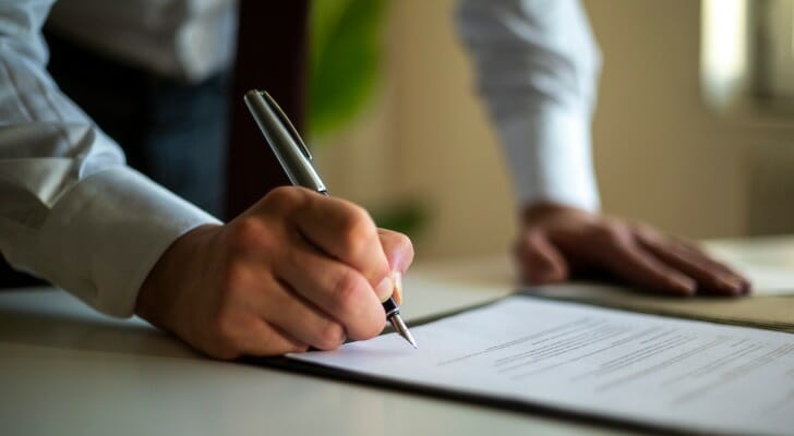 Man signs a will had created for free